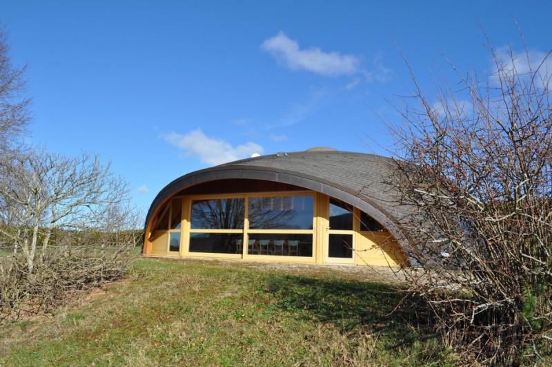 Maison ronde bois perfect maison en bois amiens with maison ronde bois mais - Maison bois ronde tournante ...